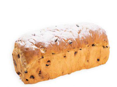 Diverse soorten Krentenbrood van Bakkerij Maxima op Urk.