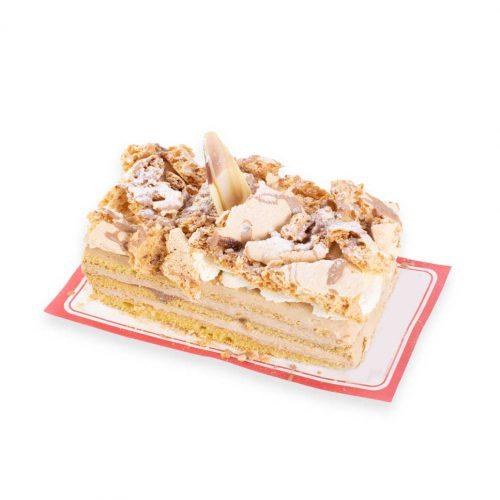 Hazelnoot pompadourtje Gevuld met caramelslagroom van Bakkerij Maxima.